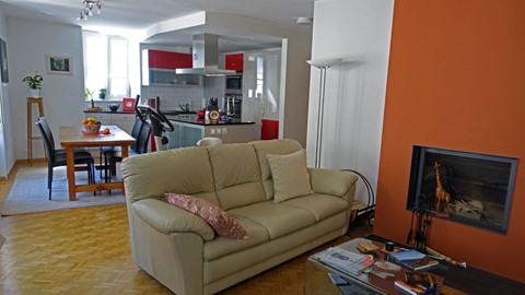 For Rent: Contemporary Apartment, Rue Perdtemps 2, St Prex-Vieux-Bourg Or Old Town
