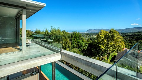 CAPE TOWN LUXURY VIL...