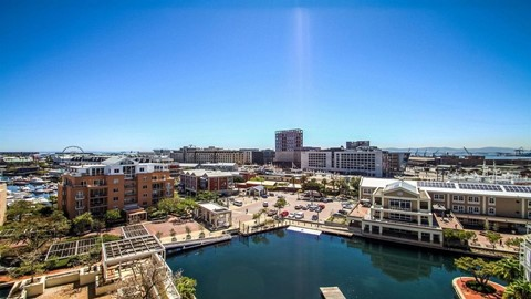 4 bedroom apartment for sale in waterfront